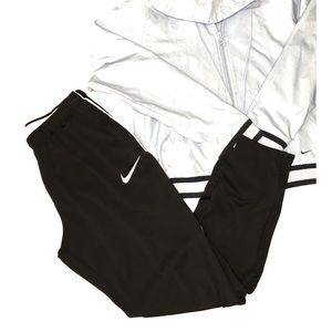 Women's Nike athletic pants/ medium